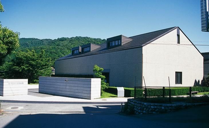 玉川近代美術館 この美術館は、玉川町出身の故徳生忠常氏が、全資金を提供して、「心温まる... 玉