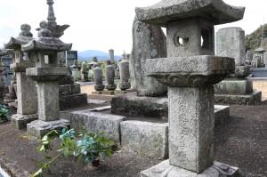 光範上人の墓