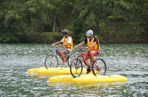 湖上サイクリング状況